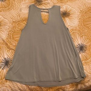 Tops - Tank with cut out